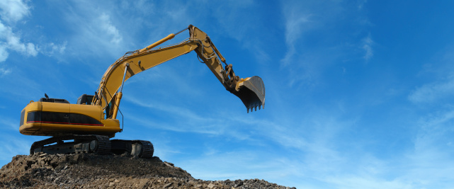 Construction Vehicle「Yellow Excavator at Work」:スマホ壁紙(7)