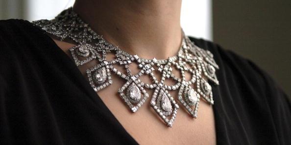 Necklace「Cartier Diamond Necklace Auctioned At Bonhams In London」:写真・画像(17)[壁紙.com]