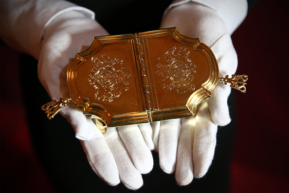 Condiment「Buckingham Palace Prepares For Its Summer Exhibition Entitled The Royal Welcome」:写真・画像(8)[壁紙.com]