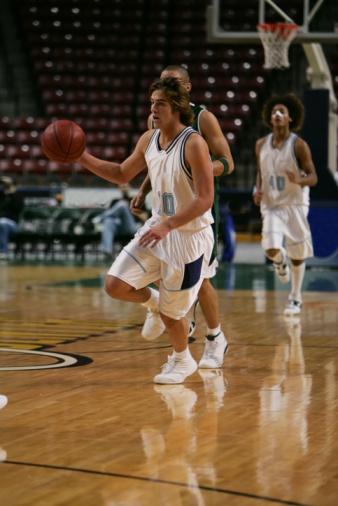 Dribbling - Sports「High school basketball player with ball」:スマホ壁紙(18)