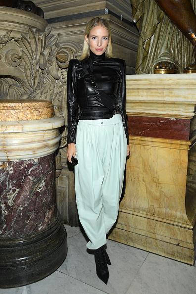Spring Collection「Balmain : Front Row -  Paris Fashion Week - Womenswear Spring Summer 2020」:写真・画像(9)[壁紙.com]