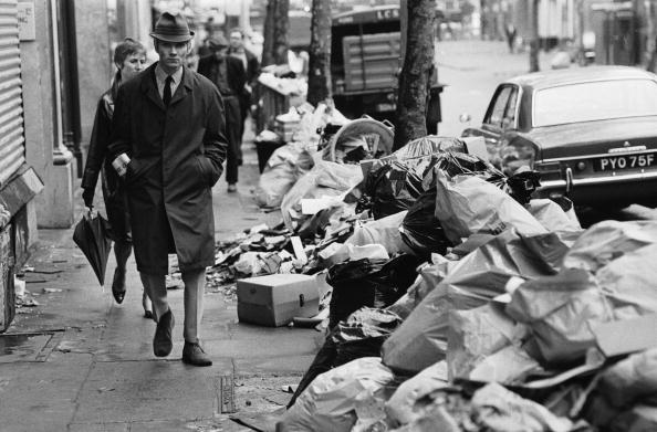 Street「A Load Of Rubbish」:写真・画像(1)[壁紙.com]