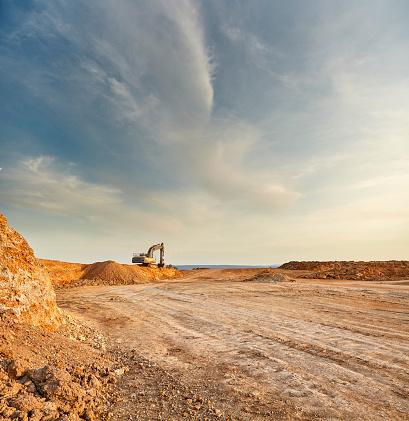 Construction Vehicle「Quarry landscape」:スマホ壁紙(17)