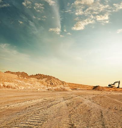 Construction Vehicle「Quarry landscape」:スマホ壁紙(3)