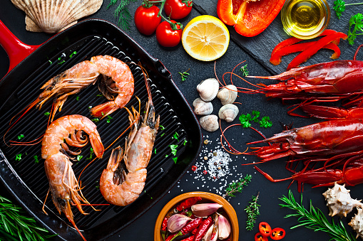 Prawn - Seafood「Cooking shrimps in a grill」:スマホ壁紙(9)