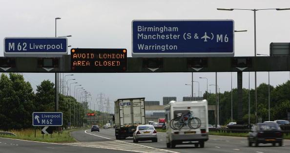 Traffic「Transport Blasts Bring Central London To A Halt」:写真・画像(14)[壁紙.com]