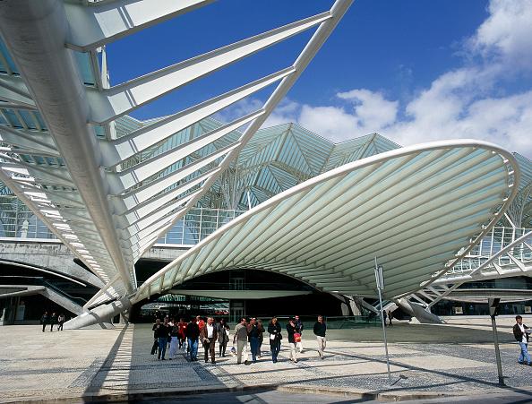 Vitality「Concourse of Estacio de Oriente, Parque da Nacoes, Lisbon, Portugal. Designed by Santiago Calatrava.」:写真・画像(3)[壁紙.com]