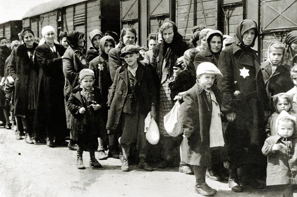 Black And White「Hungarian Jews」:写真・画像(0)[壁紙.com]