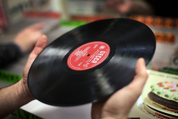 Collection「Record Enthusiasts Gather At Musicmania Record Fair 2015」:写真・画像(10)[壁紙.com]