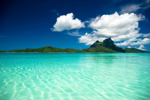 Volcano「Bora-Bora Perfect Paradise Island」:スマホ壁紙(1)
