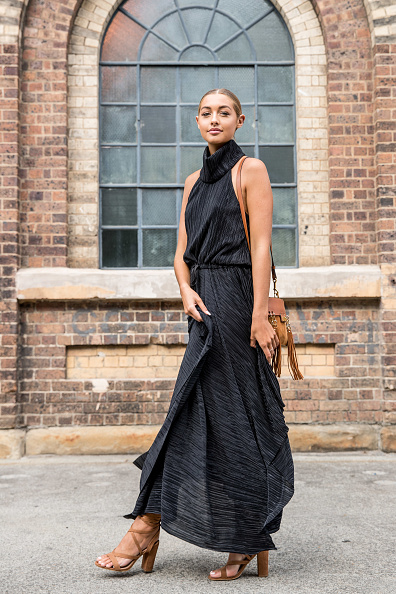 Black Color「Street Style - Mercedes-Benz Fashion Week Australia 2017」:写真・画像(4)[壁紙.com]