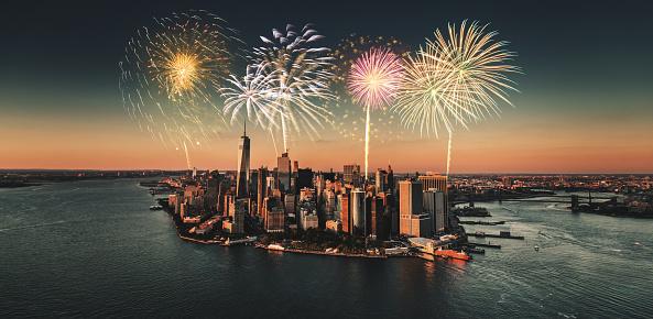 花火「世界貿易センター タワーの新年花火で撮」:スマホ壁紙(18)