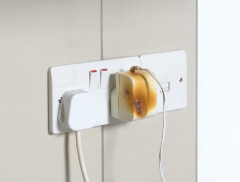 Cable「Electrical plug overheating」:スマホ壁紙(12)