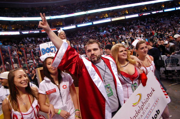 """Chicken Wing「Annual """"Wing Bowl"""" Honors Super Bowl Gluttony」:写真・画像(9)[壁紙.com]"""