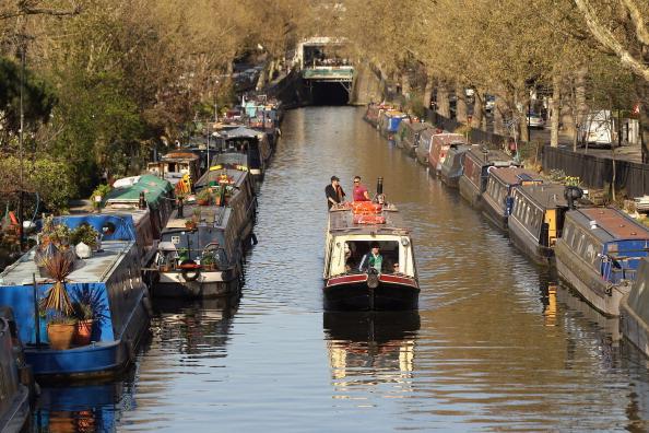 Canal「Londoners Enjoy The Warm Spring Weather」:写真・画像(7)[壁紙.com]