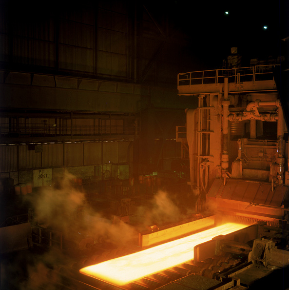 Pouring「Steel Mill for Metal Sheets」:写真・画像(4)[壁紙.com]