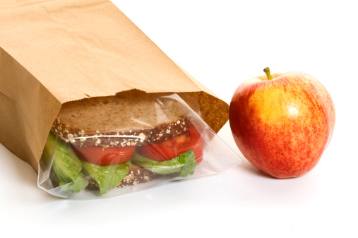 Inexpensive「Sandwich in a bag with an apple on the side」:スマホ壁紙(2)