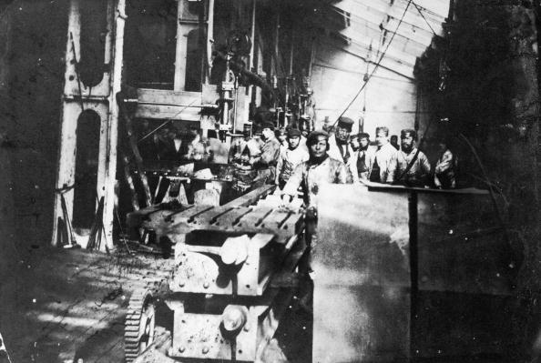 Men「Millwall Ironworks」:写真・画像(1)[壁紙.com]