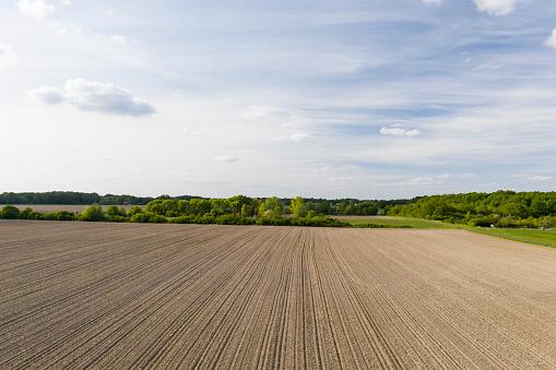 Plowed Field「Aerial of a ploughed field in the Loire Valley, France.」:スマホ壁紙(6)