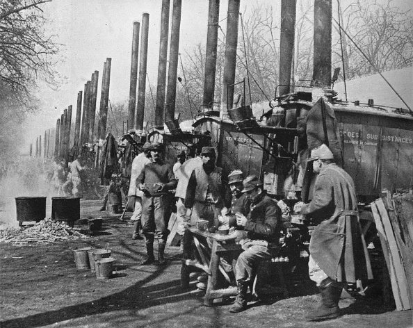 Behind「Behind French Lines Field Kitchens Attached To The French Army 1915」:写真・画像(8)[壁紙.com]