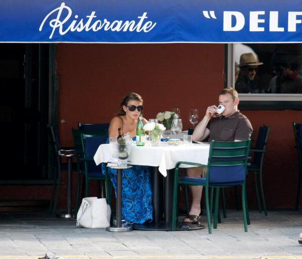 Soccer Player「Wayne Rooney And Coleen McLoughlin Candids In Portofino」:写真・画像(14)[壁紙.com]