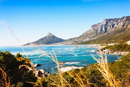South「Looking towards Lions Head, Cape Town, across the Atlantic Ocean」:スマホ壁紙(18)