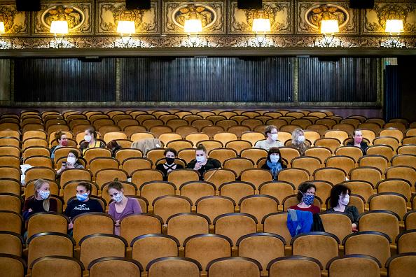 Movie Theater「Czech Republic Further Eases Its Coronavirus Lockdown」:写真・画像(0)[壁紙.com]