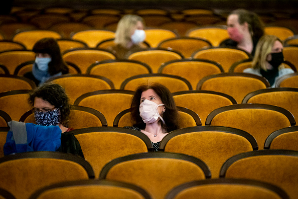 Movie Theater「Czech Republic Further Eases Its Coronavirus Lockdown」:写真・画像(3)[壁紙.com]