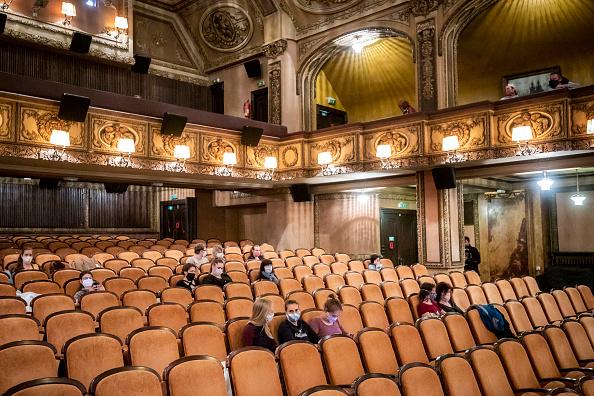 Movie Theater「Czech Republic Further Eases Its Coronavirus Lockdown」:写真・画像(7)[壁紙.com]