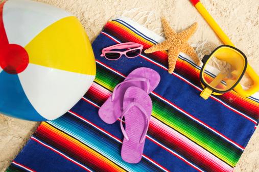 Flip-Flop「Beach Gear and Necessities for a Vacation」:スマホ壁紙(14)