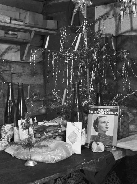 Wrapped「Christmas German Bunker」:写真・画像(6)[壁紙.com]