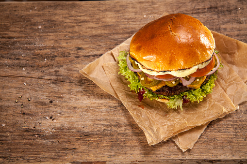 Bread「Hot Chili Burger, overhead view」:スマホ壁紙(2)