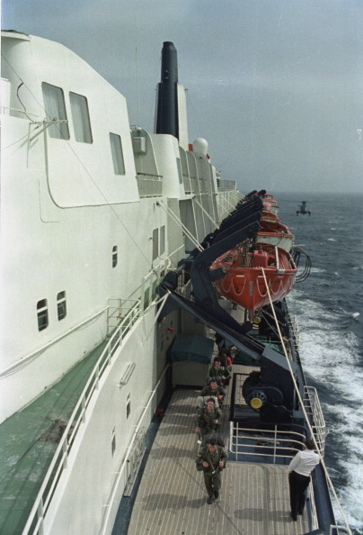 Passenger Craft「QE2 In South Atlantic」:写真・画像(18)[壁紙.com]