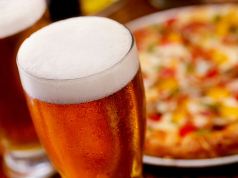 Take Out Food「Pint of Beer and a Deluxe Pizza」:スマホ壁紙(7)
