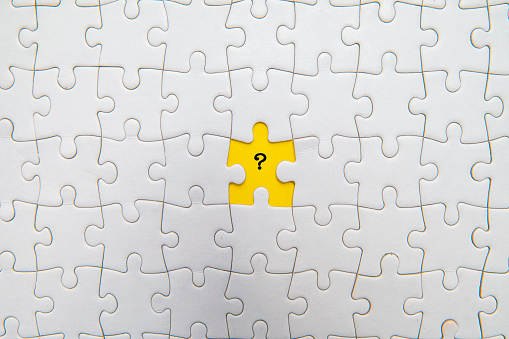 Kota Kinabalu「Jigsaw Puzzle with Question Mark on Yellow Background」:スマホ壁紙(16)