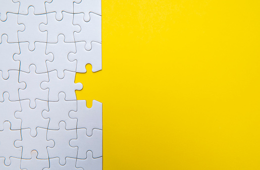Kota Kinabalu「Jigsaw Puzzle on Yellow Background」:スマホ壁紙(0)