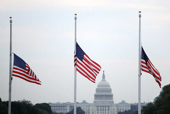 Capitol Hill「Flags Fly At Half Staff In Washington DC For Mass Shooting Victims」:写真・画像(12)[壁紙.com]