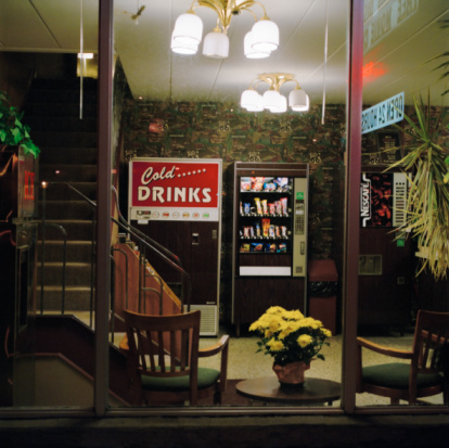 Motel「Vending machines in motel reception area」:スマホ壁紙(8)