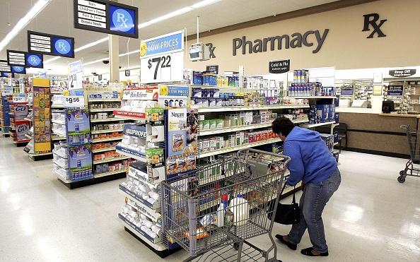 Drug「Wal-Mart Announces Large Cut In Generic Prescription Drug Prices」:写真・画像(10)[壁紙.com]