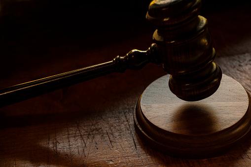 Legal System「Judge's gavel」:スマホ壁紙(8)