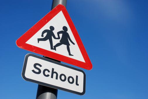 British Culture「School children crossing sign with copy space」:スマホ壁紙(5)