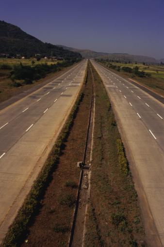 Continuity「Mumbai-Pune Expressway in India」:スマホ壁紙(9)