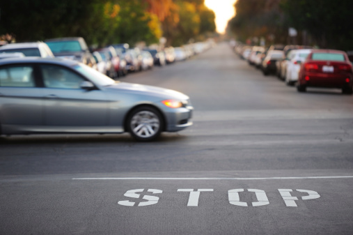 Traffic「Road junction, stop word, motion blurred car」:スマホ壁紙(0)