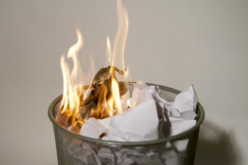 Burning「Fire in a wastepaper basket」:スマホ壁紙(12)