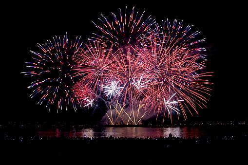 花火「Firework display, Canada」:スマホ壁紙(8)