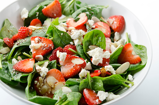 Nut - Food「Green salad with strawberries and spinach」:スマホ壁紙(17)