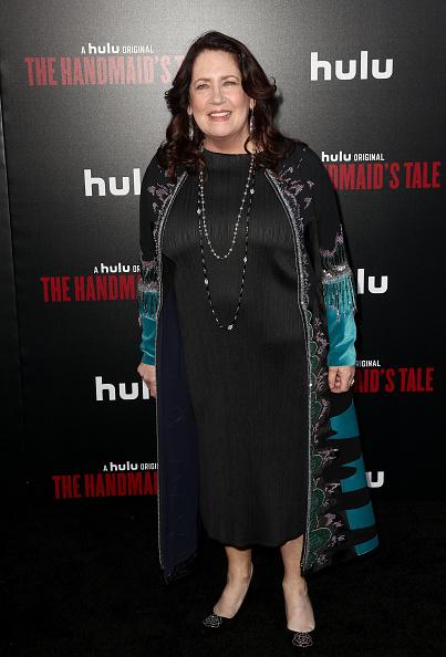 "Mann Theaters「Premiere Of Hulu's ""The Handmaid's Tale"" Season 2 - Red Carpet」:写真・画像(16)[壁紙.com]"