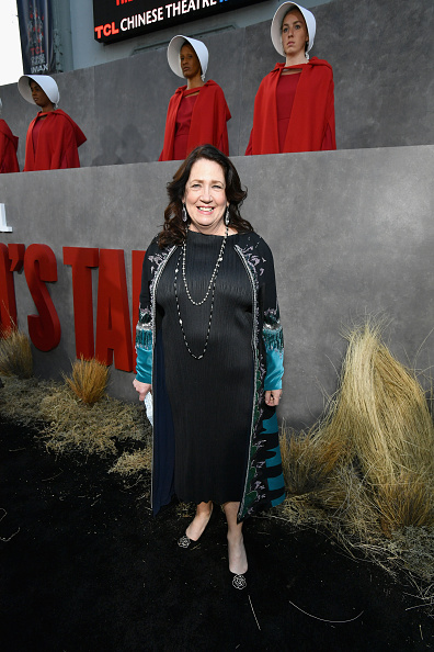 "Mann Theaters「Premiere Of Hulu's ""The Handmaid's Tale"" Season 2 - Red Carpet」:写真・画像(10)[壁紙.com]"
