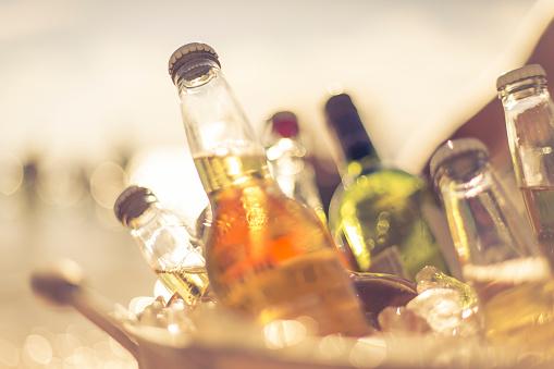 Alcohol - Drink「Bucket of Drinks」:スマホ壁紙(19)