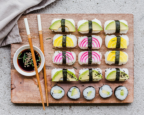 Avocado「Vegan sushi with chopsticks and soy sauce」:スマホ壁紙(3)